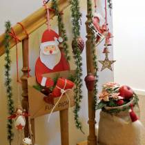 """Deko-Hänger Geschenktasche Weihnachtsmann mit Briefumschlag """"Für Dich"""" L46,5cm Ø25cm 4St"""