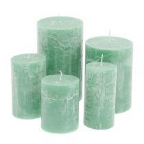 Durchgefärbte Kerzen Hellgrün unterschiedliche Größen