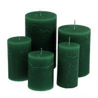 Durchgefärbte Kerzen Dunkelgrün unterschiedliche Größen